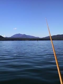 西湖のヒメマス釣り.jpg